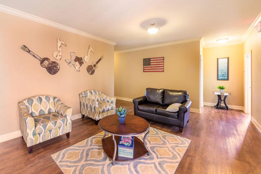 pointe-livingroom